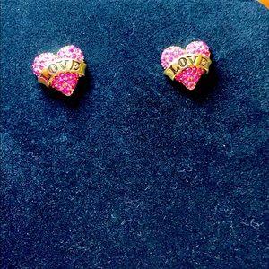 Betsey J. Lovely heart earrings. Like new! 1.5cm.